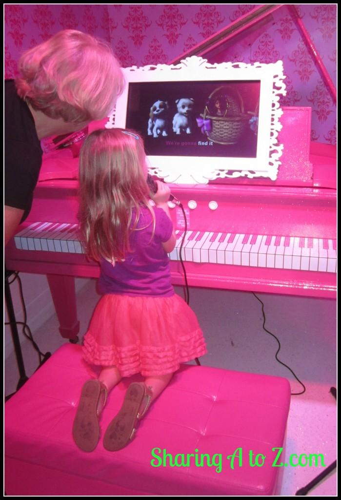 Barbie piano